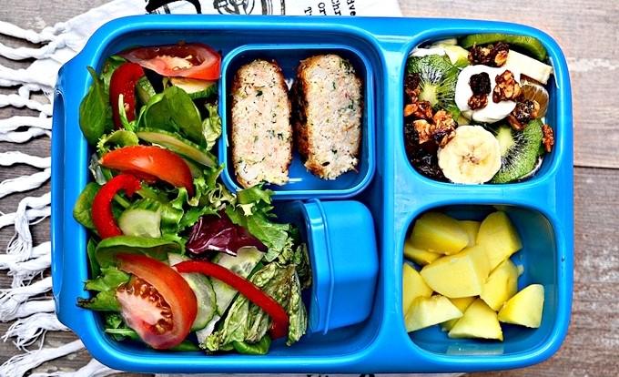drugie-śniadanie-na-wynos-lunchbox-Goodbyn-Hero-niebieski1